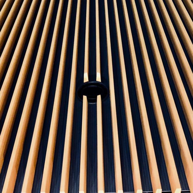 コンサートホールの壁